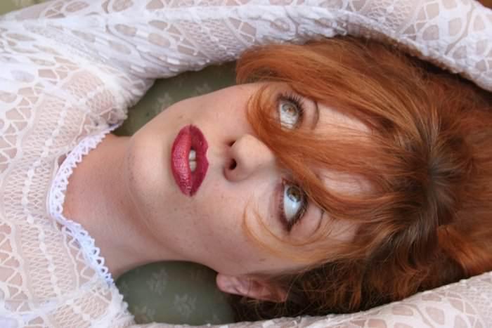 Venus O'Hara - Lipstick Fetish
