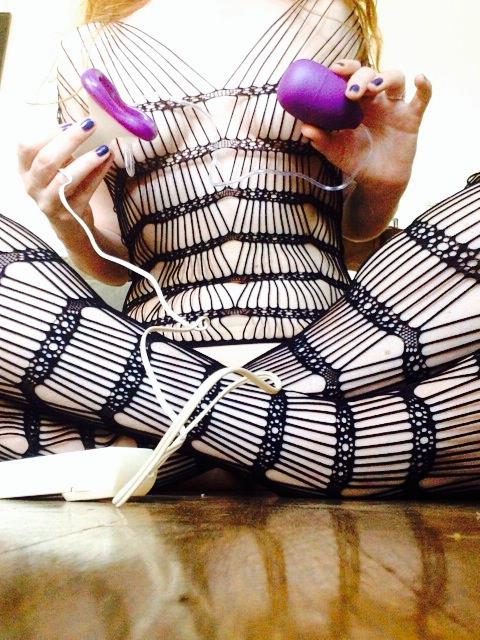 Vibrating Clit Massager venus o'hara