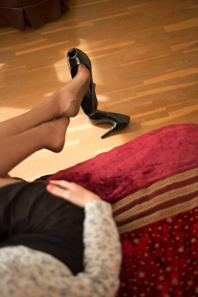 The Voyeur Part 1 - Shoe Dangling Fetish-0033