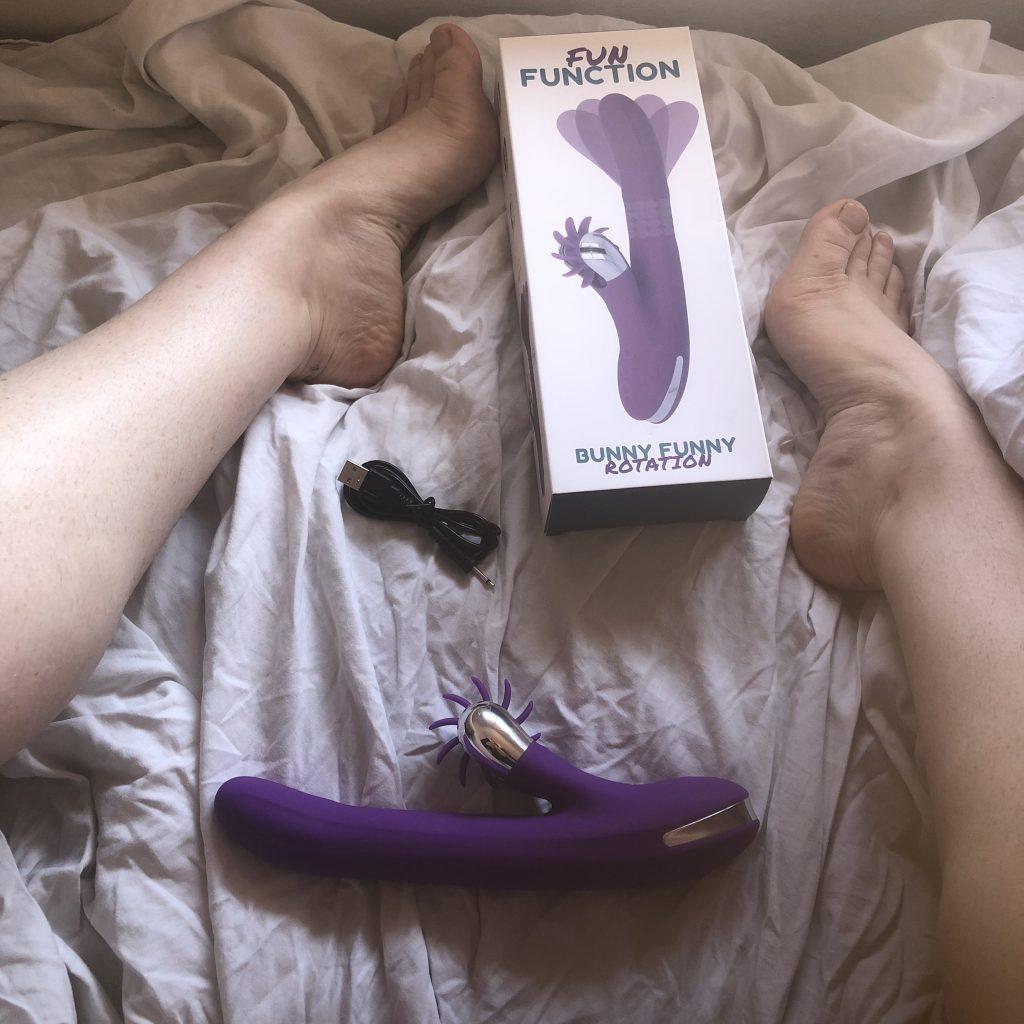 moves, sex toy, bunny funny, sex toys from fun function, venusohara, venus o'hara, venusohara.org, 4 moving rabbit sex toys, clitoral stimulators, g-spot, rabbits, rechargeable, vibrators