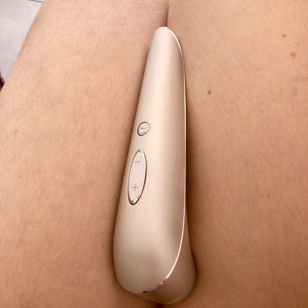 sex toys, clitoral stimulator, Satisfyer, vibrator, Satisfyer Luxury, High Fashion from Satisfyer Luxury, sx tech, Clitoral Suction Toys, Satisfyer Sex Toy Reviews, Sex Toy Reviews, Rechargeable sex toys
