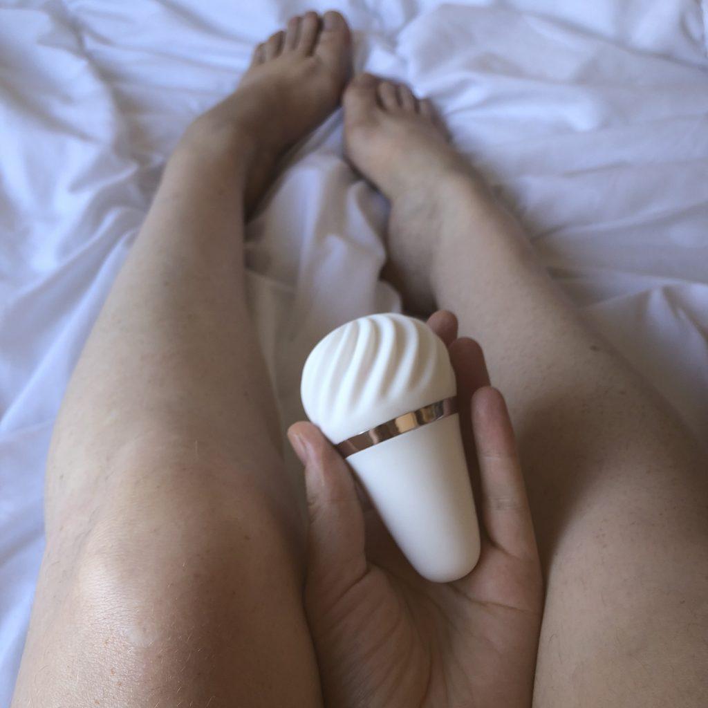sex toy, clitoral stimulation, satisfyer sex toy reviews, vibrators, rechargeable sex toys, vibrators, venusohara, venus o'hara, venusohara.org