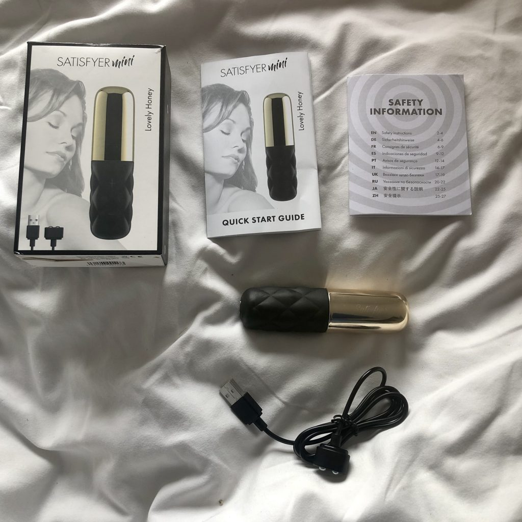 Lovely Honey from Satisfyer Mini Vibes, Clitoral Stimulators, Rechargeable, Satisfyer Sex Toy Reviews, gold lovers, Vibrators, female orgasm, orgasmic lifestyle, venus o'hara